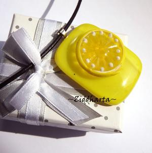 LEMON Necklace GlassFused Handmade Citrus Pendant Necklace Yellow White Necklaces Citroner Gula Life brings lemons - make Lemonade! #132