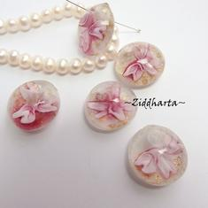 1 LampWork Borrad Cabochon: ROSE Flower 20mm diam.