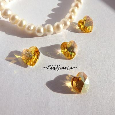 Swarovski 10mm HJÄRTA - Light TOPAZ AB