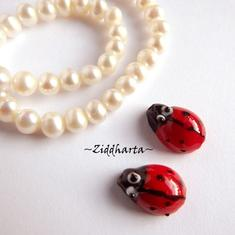 LampWork: Handgjord glaspärla: Ladybug - Nyckelpiga