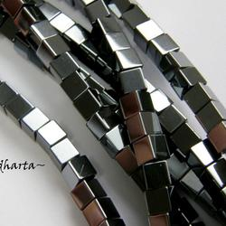 5st Hematit-pärla - CUBE 4mm