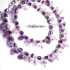 Såld: Lavendel Fringe - Unika och personliga smycken: Massor av Ametist-stenar  - handgjort av Ziddharta i Sverige