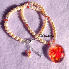 Lyxigt vackert halsband: OrangeBlossom - handgjort av Ziddharta i Sverige