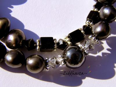 Necklace Hematite w Black  Freshwaterpearls & Swarovski Crystals - Handmade Jewelry and Beadings by Ziddharta