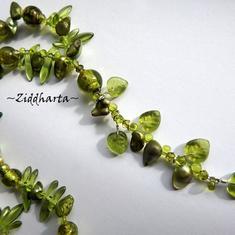 Unika och personliga smycken OOAK Halsband: Green Lampwork & Leafs - handgjort av Ziddharta i Sverige