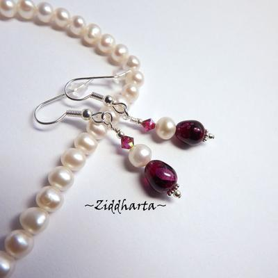"Earrings /Örhängen ""Fuchsia"" White Freshwater Pearls Swarovski Crystals - Handmade Jewelry and Beadings by Ziddharta"