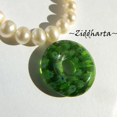 Millefiori glaspärla: Hänge - Grönt Runt - Dougnut #78