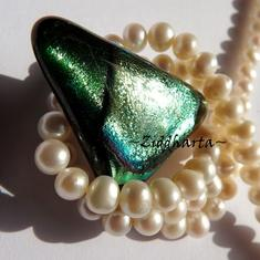 160 Dichroic Cabochon ca37x28mm: Green Gold